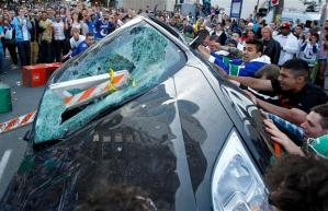 riot, Stanley Cup, Vancouver riot, car smashing, hockey, rioters, looting