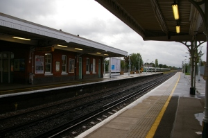 Horley, London, trains, express trains, tracks, trams