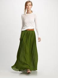 skirts, maxi skrit, fashion, walking in skirts